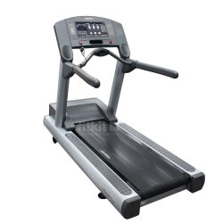 LIFE FITNESS 95TI Silverline CLST Treadmill at FitKit UK